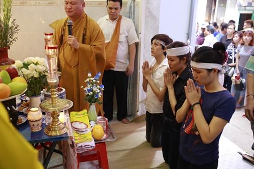 Đám tang đẫm nước mắt của MC Quang Minh